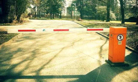 Pose de barrières routières et tourniquets de sécuritéVitrolles